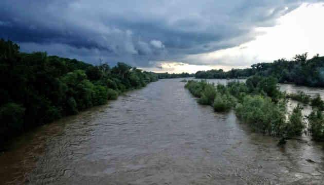 На Буковині підтоплені вже 42 населені пункти
