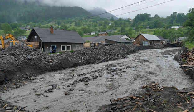 Паводок на Заході Україні: підтоплені 550 будинків, зруйновані 83 мости