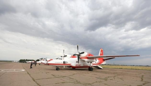 Авіація для гасіння пожеж на Луганщині вже у повітрі, але розуміння з боку окупантів немає — Аваков