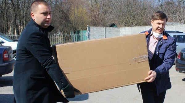 Вінницька міська лікарня N1 отримала реанімаційне обладнання від Фонду Порошенка