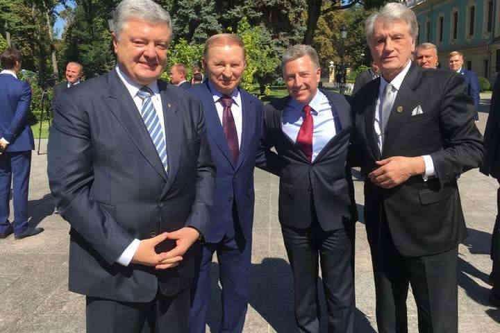 Волкер зустрівся з колишніми президентами України