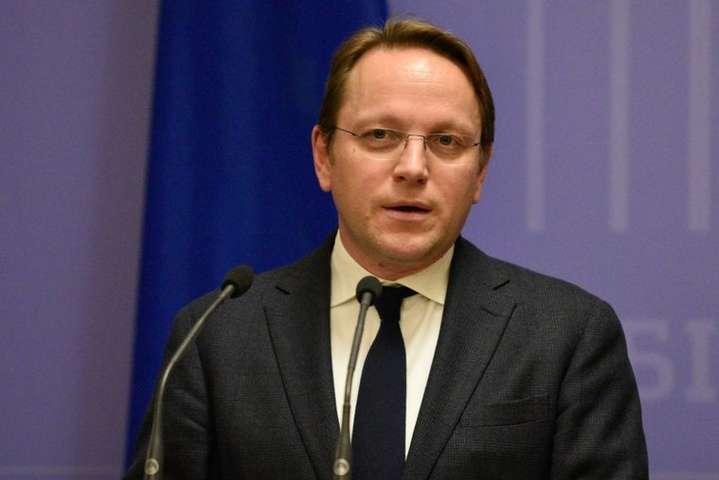 ЄС не перегляне санкції проти Росії до прогресу у Мінських угодах, - єврокомісар