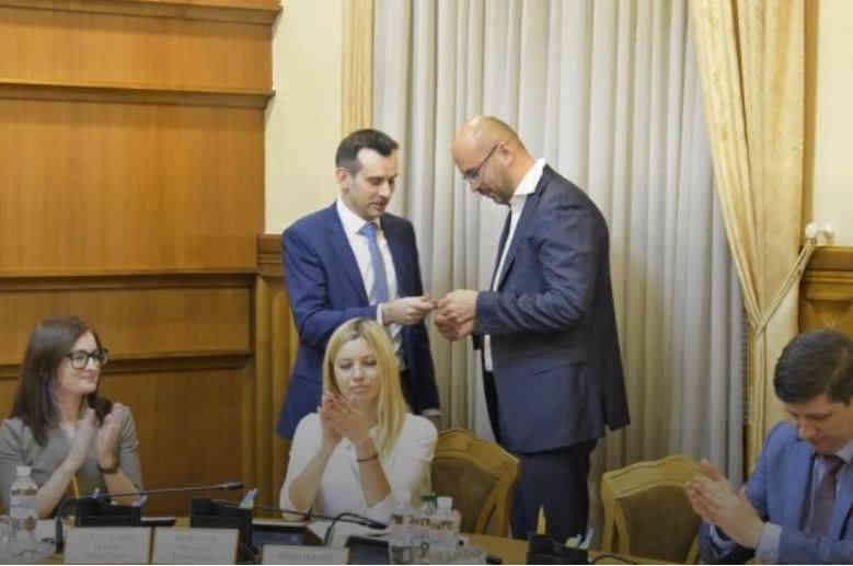 ЦВК зареєструвала нардепом самовисуванця Рудика, який переміг кандидата від