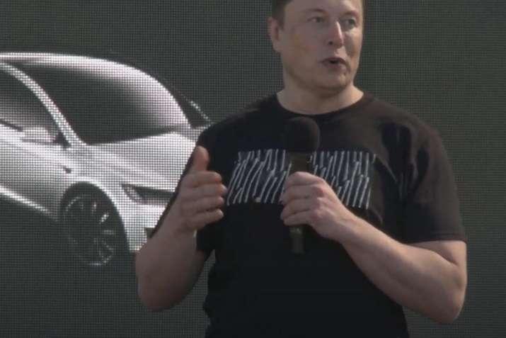 Tesla планує виготовити два нові електромобілі, – Маск