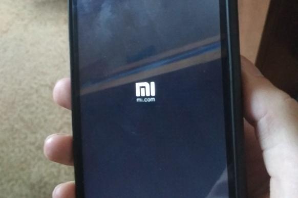 Оновлення Android зламало смартфони Xiaomi