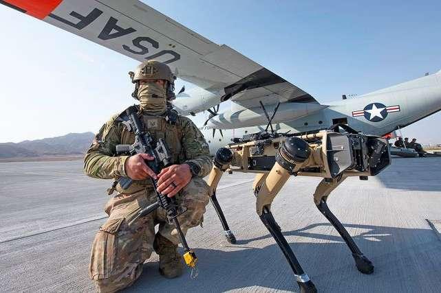 Американські військові випробували робопсів для патрулювання території