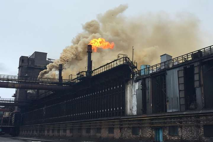 Торецьк та Авдіївський коксохімічний завод знеструмлені через вибух
