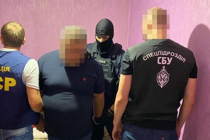 Привіт 90-і, рекет повернувся!: На Харківщині силовики затримали банду, яка кошмарила бізнесменів