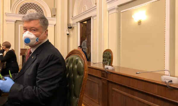 Петро Порошенко виступив з ініціативою гуманітарного коридору для медобладнання