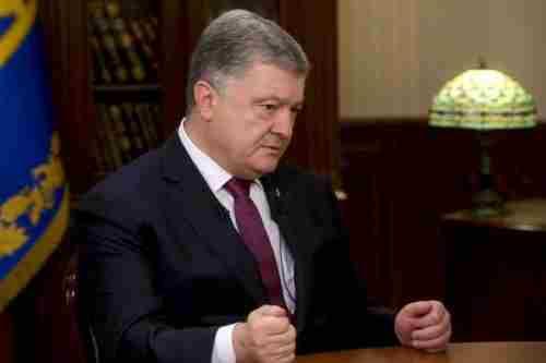 Президент Порошенко: РФ розміщує танки на відстані 18 км від українського кордону