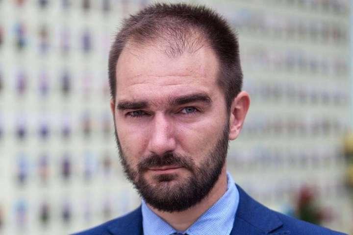 Лерос заявив про затримання на великому хабарі помічника «слуги народу»