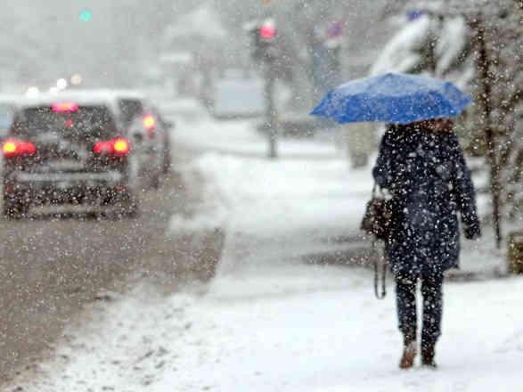 Погода на 23 січня: в Україні сніжитиме, але буде тепло
