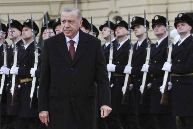 Ятаган в спину. Почему Эрдоган из Киева грозит Путину