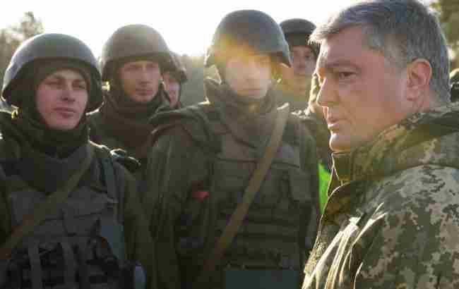 Порошенко: ліквідація комітету Ради у справах ветеранів стане пострілом у спину армії
