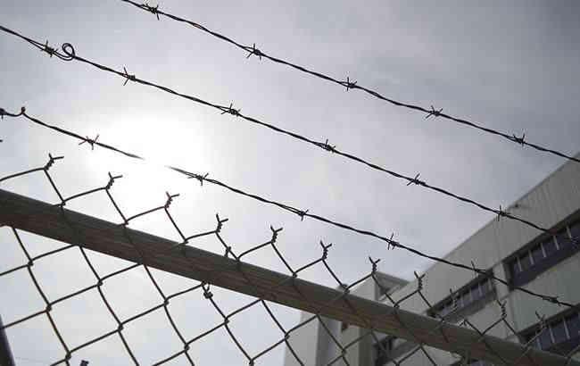 В українських тюрмах та ізоляторах перебуває близько 300