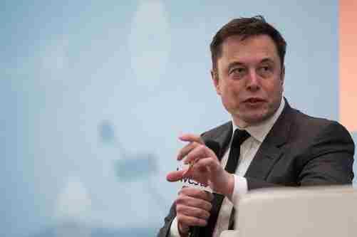 Tesla готова виробляти апарати штучної вентиляції легенів - Маск