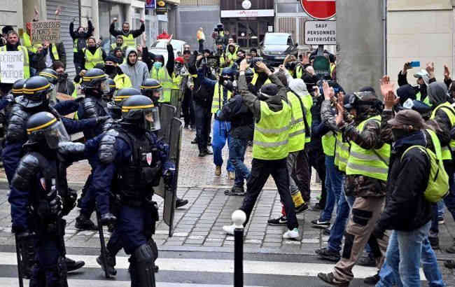 У Франції поновилися акції