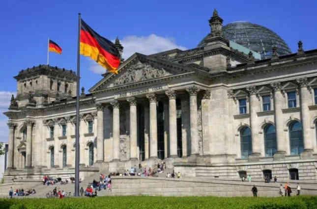 Уважно стежимо: у Німеччині говорять про політичні мотиви переслідування Петра Порошенка