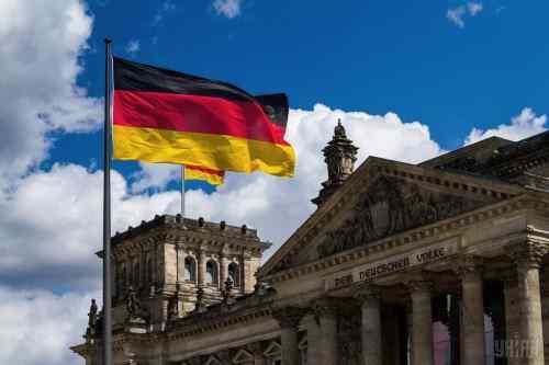 У Німеччині продовжать перевірки чиновників на співпрацю зі