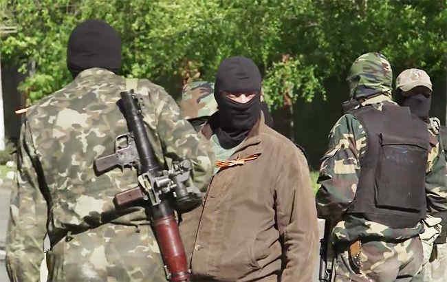 На Донбасі окупанти не платять зарплати працівникам без