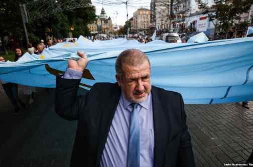 Чубаров закликає Раду внести зміни до Конституції щодо статусу АР Крим