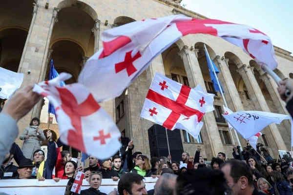 ЄС та США відреагували на масові протести в Грузії