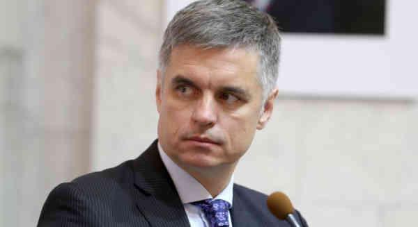 Пристайко просить посла Угорщини бути обережнішим у висловах