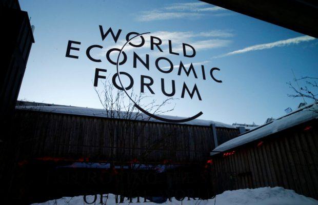 Поїздка в Давос – черговий закордонний вояж за державний рахунок і без жодних інвестицій — економіст