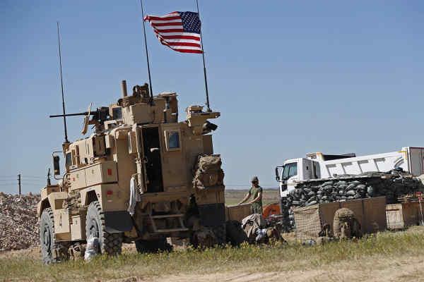 Коаліція під проводом США заявляє, що дала відсіч обстрілу її військових у Сирії