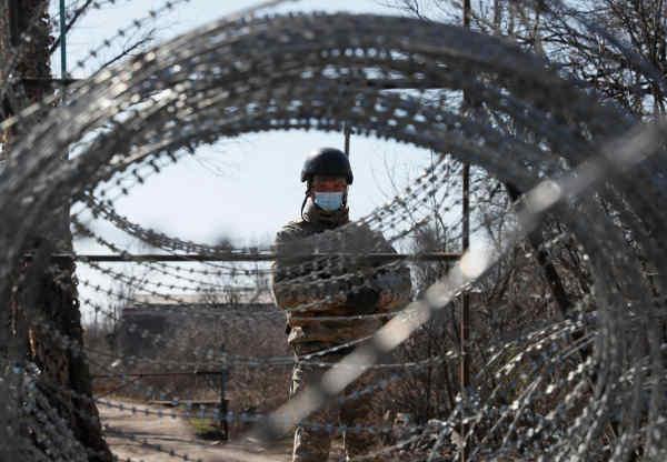ЄС вимагає в РФ і бойовиків відкрити частковий доступ на окупований Донбас