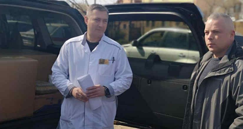 Генерал Забродський передав реанімаційне обладнання від Фонду Порошенка в інфекційну лікарню Дніпра
