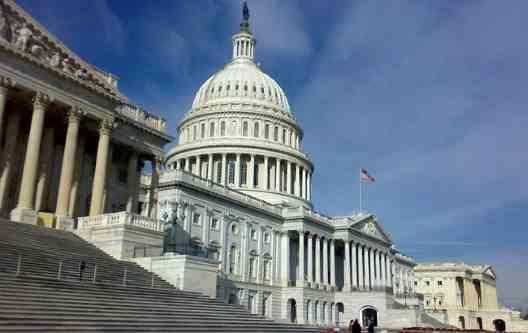 Американські конгресмени хочуть покарати Росію за утиски вірян у Криму та на Донбасі