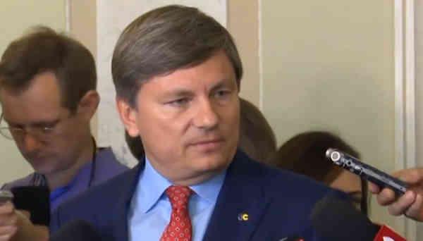 Влада Зеленського демонструє повну бездіяльність у кризових ситуаціях – Герасимов про пожежі на Луганщині