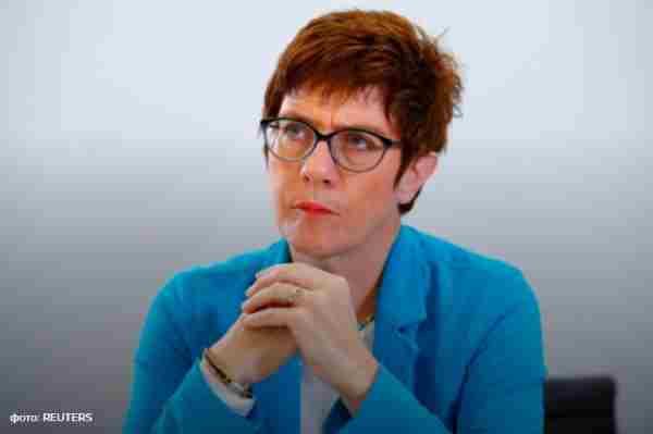 Наступником Меркель на посаді голови ХДС стала Крамп-Карренбауер