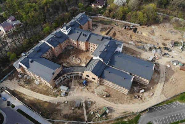ЗЕ-уряд зупиняє будівництво нової лікарні та школи у Вінниці, - ЗМІ