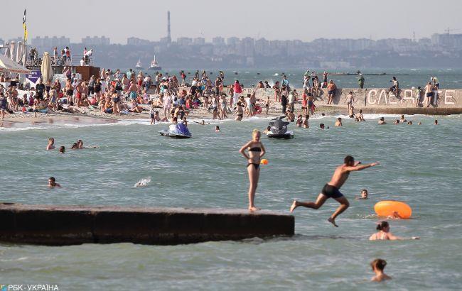 В Одесі майже на всіх пляжах знайшли кишкову паличку