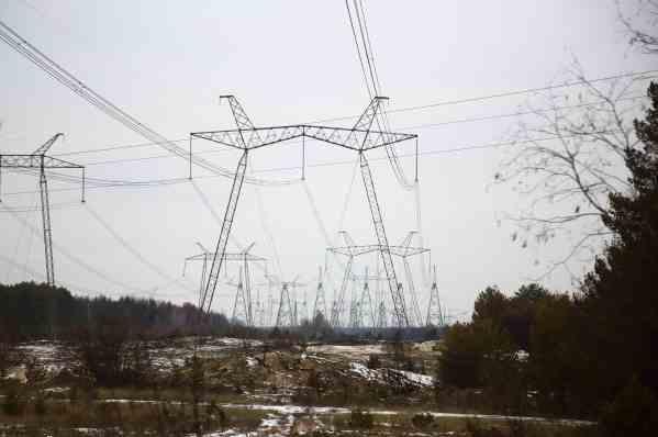 Нацкомісія пропонує з серпня підвищити тарифи на передачу електроенергії в чотири рази