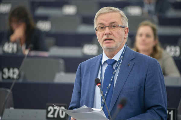 Депутат Європарламенту від Німеччини закликає вислати дипломатів РФ: заява