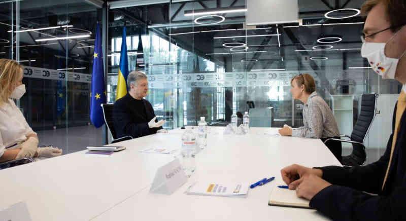 Президент Петро Порошенко зустрівся з Послом Німеччини в Україні Анкою Фельдгузен