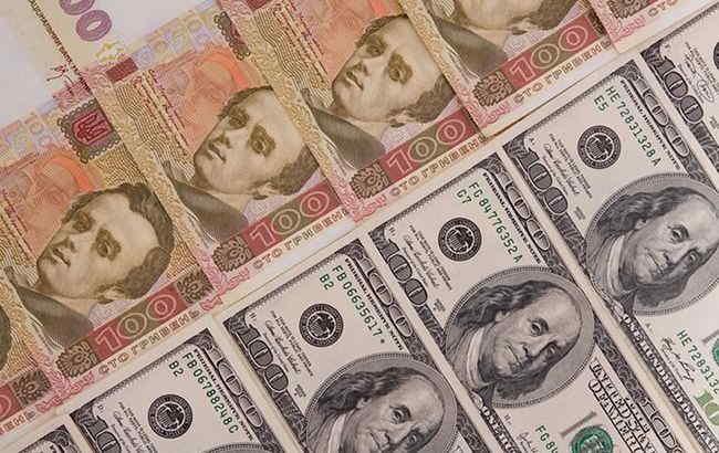 НБУ скоротив продаж валюти на міжбанку майже в два рази