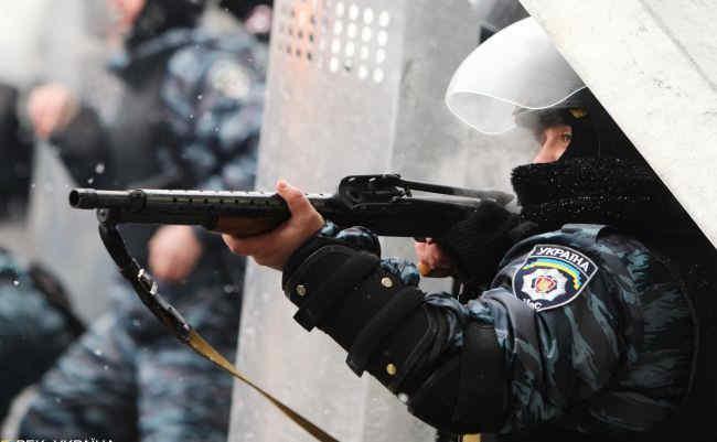 Суд заочно взяв під варту двох екс-правоохоронців по справах Майдану