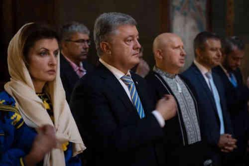 Петро Порошенко у Софії Київській взяв участь у молебні за Україну