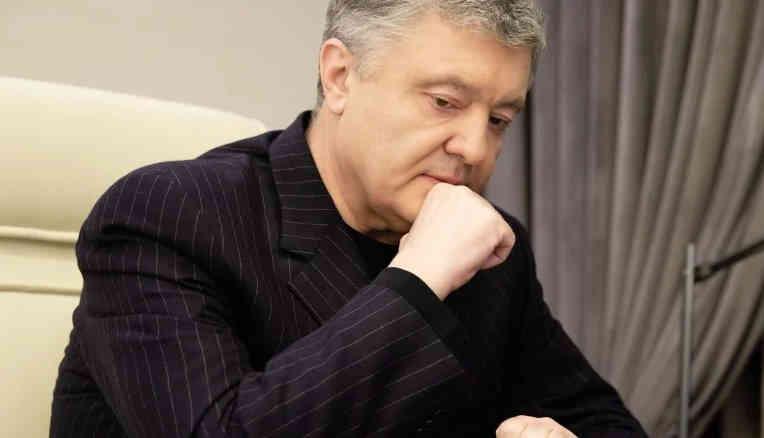 Порошенко розповів Жадану про настрої в ЗСУ: Вперше з часів Януковича ми бачимо скорочення в армії