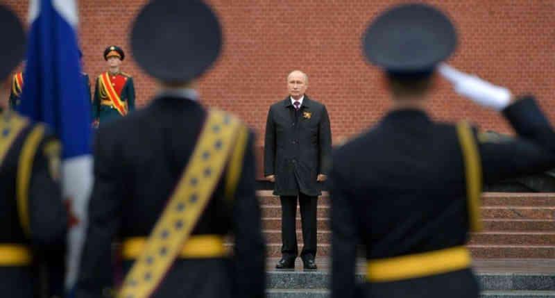 Путин попросил обсудить вопрос о реальности России