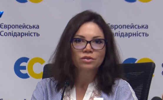 Три тижні карантину, а в лікарнях Киівщини досі немає масок, і волонтери змушені рятувати лікарів – Вікторія Сюмар
