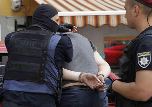 У Харківській обл. затримали 15 рейдерів за спробу захопити держпідприємство