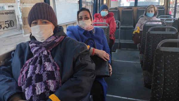 В Ніжині активісти «Європейської Солідарності» допомагають з підвозом медиків на роботу