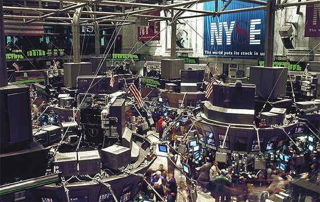 Біржі Європи закрили торги падінням на 7-8%