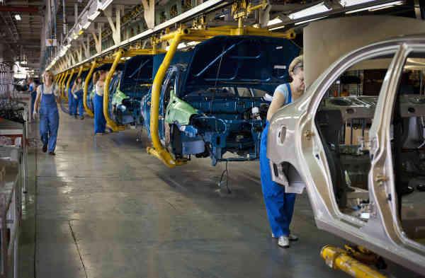 Автовиробництво в Україні торік скоротилося на 32%
